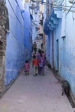 Голубая улица - одна из многих в Голубом городе