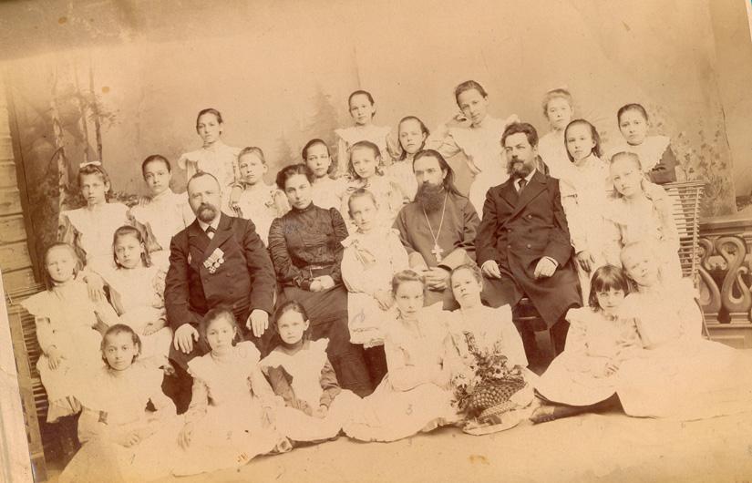 Выпускницы Сокольнического городского училища, 1903