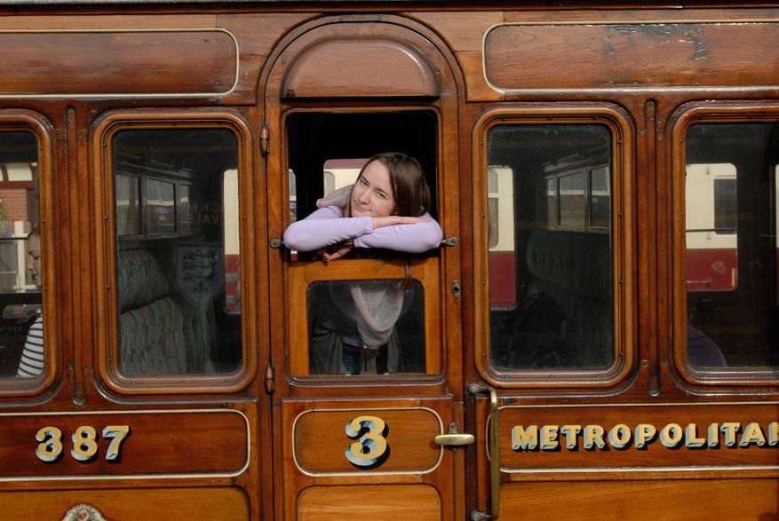 Поездка на уникальном поезде Metropolitan 1898  года выпуска по исторической железной дороге Bluebell Railway. Ист-Гринстед -Шеффилд-парк. 2014
